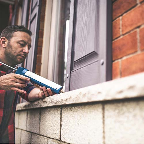 Painting and Caulking Services EMPT London